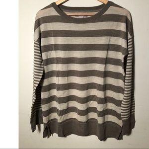 🌵Banana Republic sweater size M